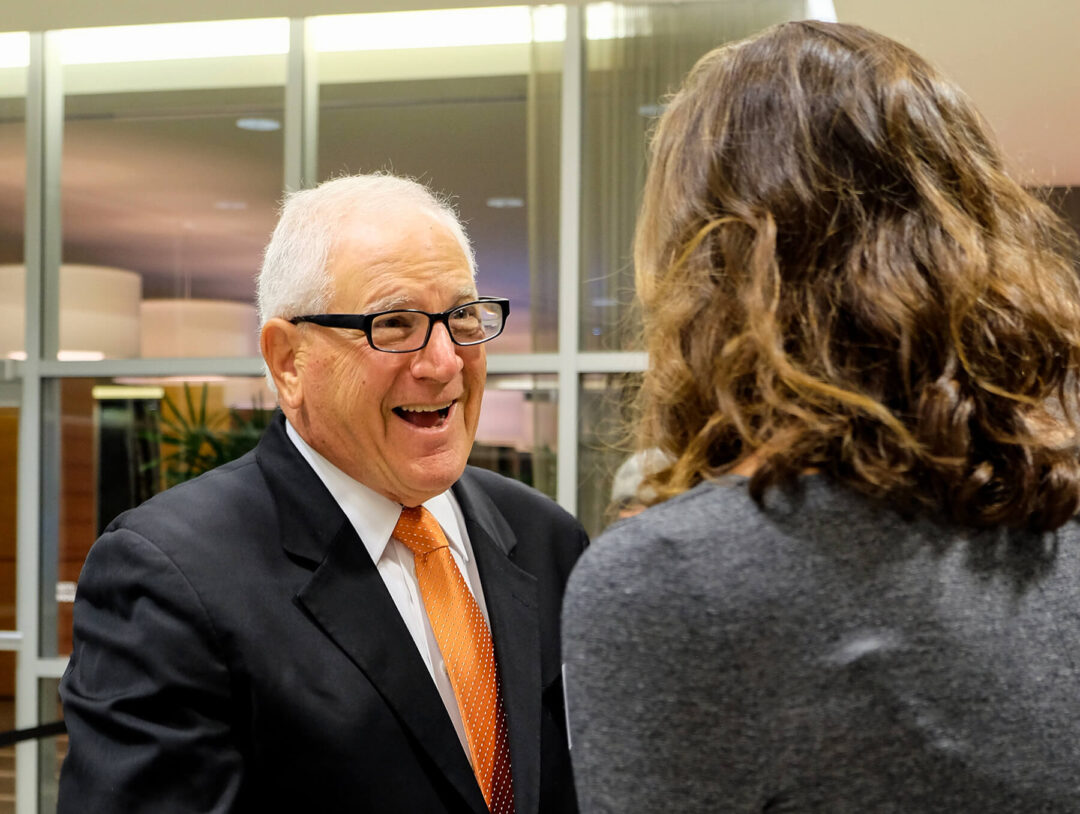 Illinois Alumnus and Mentor Contributes to Cancer Research Scholarship Fund