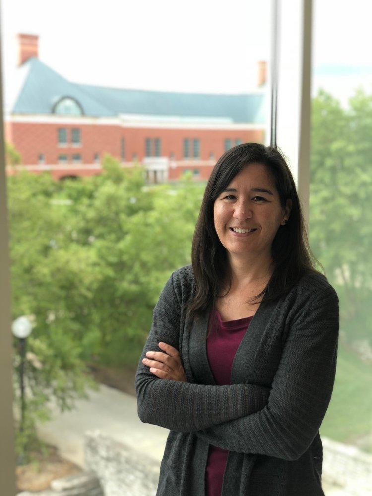Headshot of CCIL associate member Shannon Sirk.